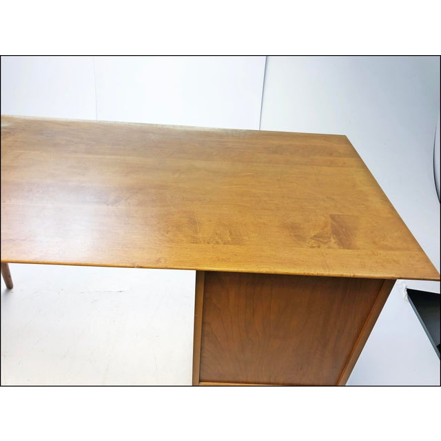 Contemporary Mid Century Modern Paul McCobb Planner Group Desk & Chair For Sale - Image 3 of 13