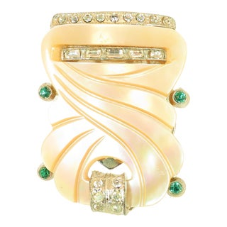 Art Deco Carved Gold Lip Mother-Of-Pearl Clip Brooch 1930s For Sale