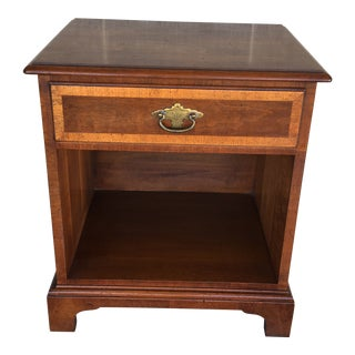 Henredon Folio Four Banded Walnut Single Drawer Nightstand For Sale