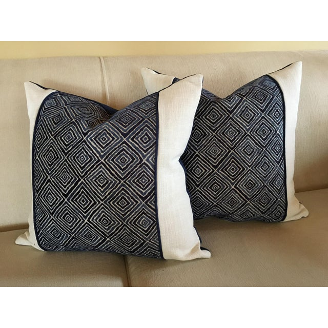 Robert Allen Blue & White Geometric Fabric Accent Pillow Covers - A Pair For Sale - Image 9 of 11