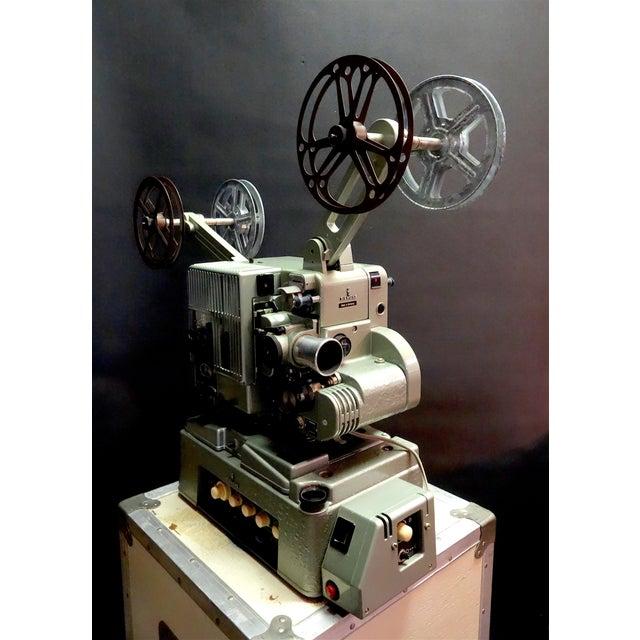 Seimens Studio Movie Film Projector Circa 1958 Rare Original 'Berlin' Green For Sale - Image 4 of 11