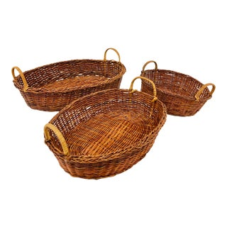 Vintage Boho Chic Set Natural Woven Wicker Nesting Baskets - Set of 3 For Sale