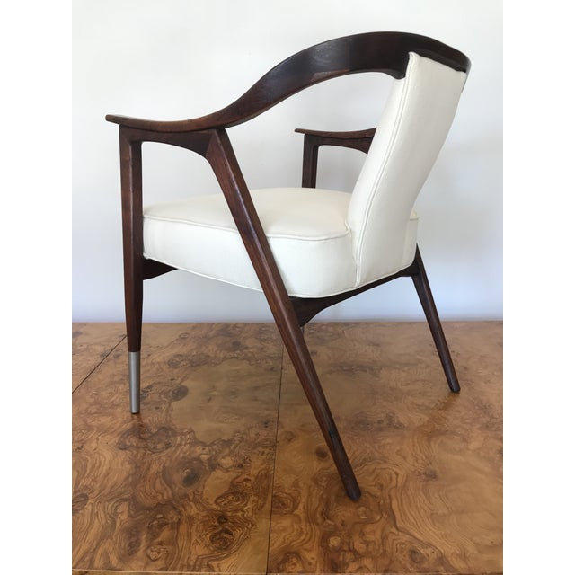 Metal 1950s Sculptural Mid-Century Modern Walnut Occasional Armchair Attributed to Gio Ponti Edward Wormley Home Office For Sale - Image 7 of 13
