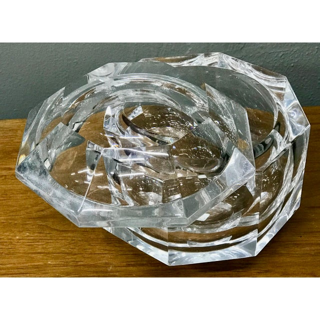 1970s 1970's Vintage Lucite Ice Bucket & Attache Swing Lid For Sale - Image 5 of 9