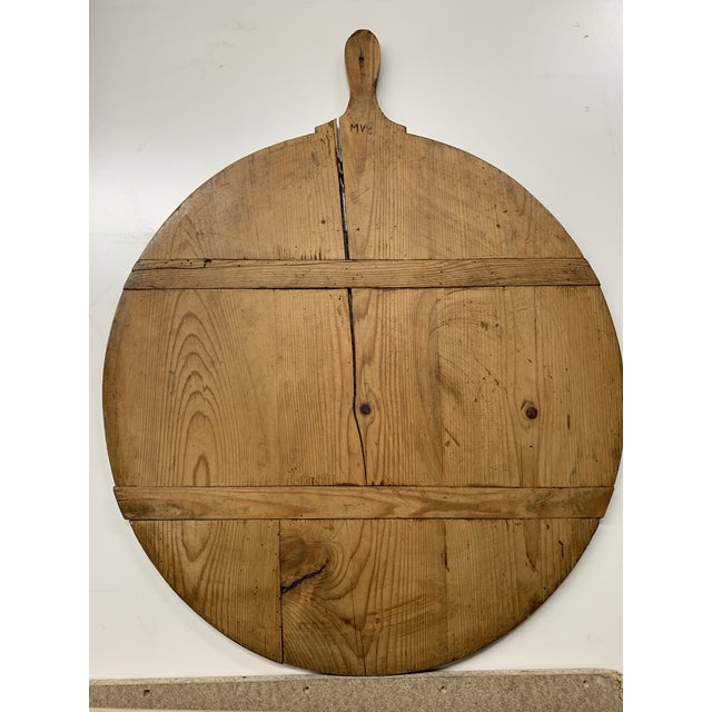 Early 20th Century Antique French Pine Boulangerie Round Breadboard For Sale - Image 12 of 13