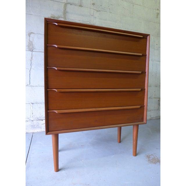 Mid-Century Danish Modern Teak Dresser For Sale In New York - Image 6 of 7