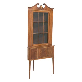 Early 20th Century Federal Style Corner Cabinets - a Pair For Sale