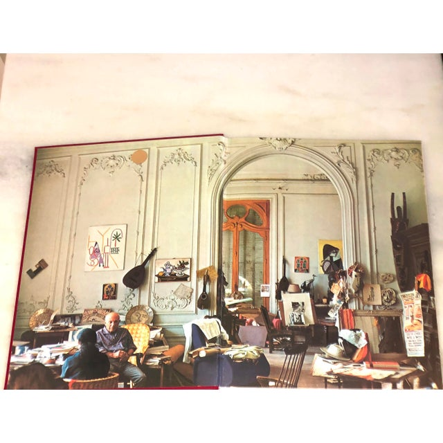 """Neoclassical Vintage 1980 """"Viva Picasso"""" Coffee Table Studio Book For Sale - Image 3 of 13"""