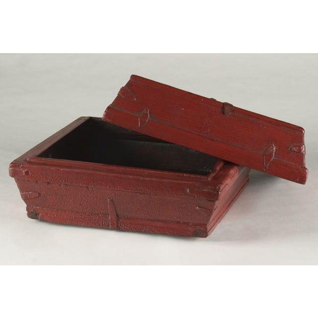 Red lacquer box with a removable top from China c. 1875 For Sale - Image 4 of 5