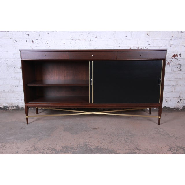 1960s Paul McCobb Calvin Group Mahogany and Brass Credenza For Sale - Image 5 of 13