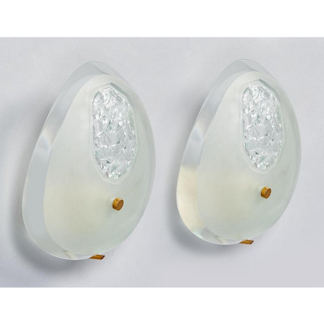 Mid-Century Modern Max Ingrand for Fontana Arte, Chiseled Tear Drop Glass Sconces, Italy Circa 1960 - a Pair For Sale - Image 3 of 11