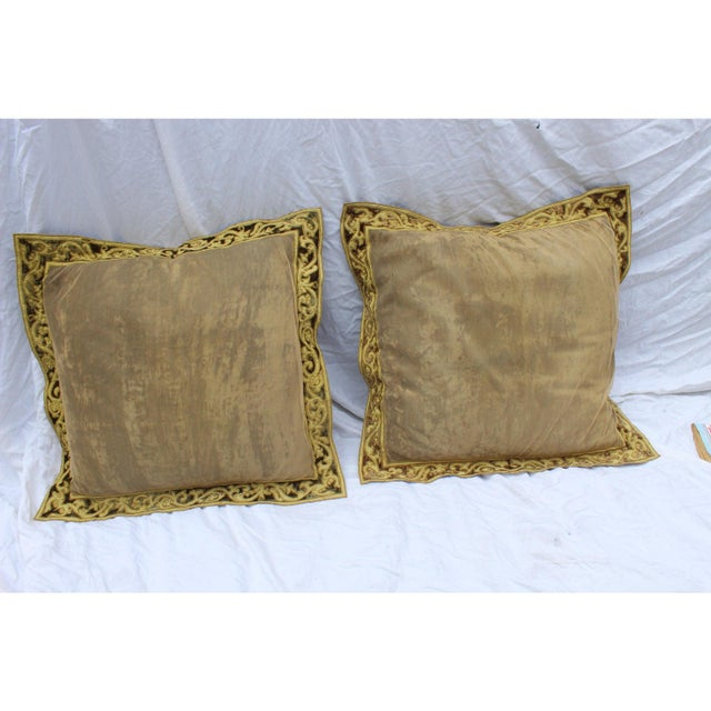English Country Crushed Velvet Down Pillows - a Pair For Sale In San Diego - Image 6 of 7