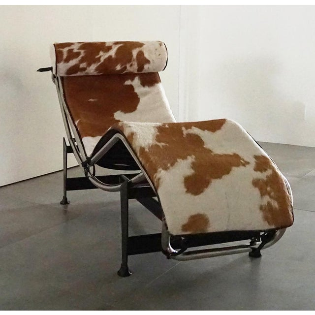 Vintage L'Corbusier Lc4 Style Cowhide Upholstered Chaise Lounge - Image 2 of 5