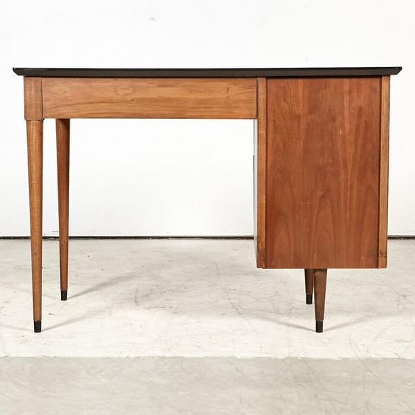 Flanders Mid Century Desk For Sale In New York - Image 6 of 8