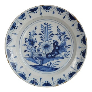 18th Century English Delft Blue and White Charger For Sale