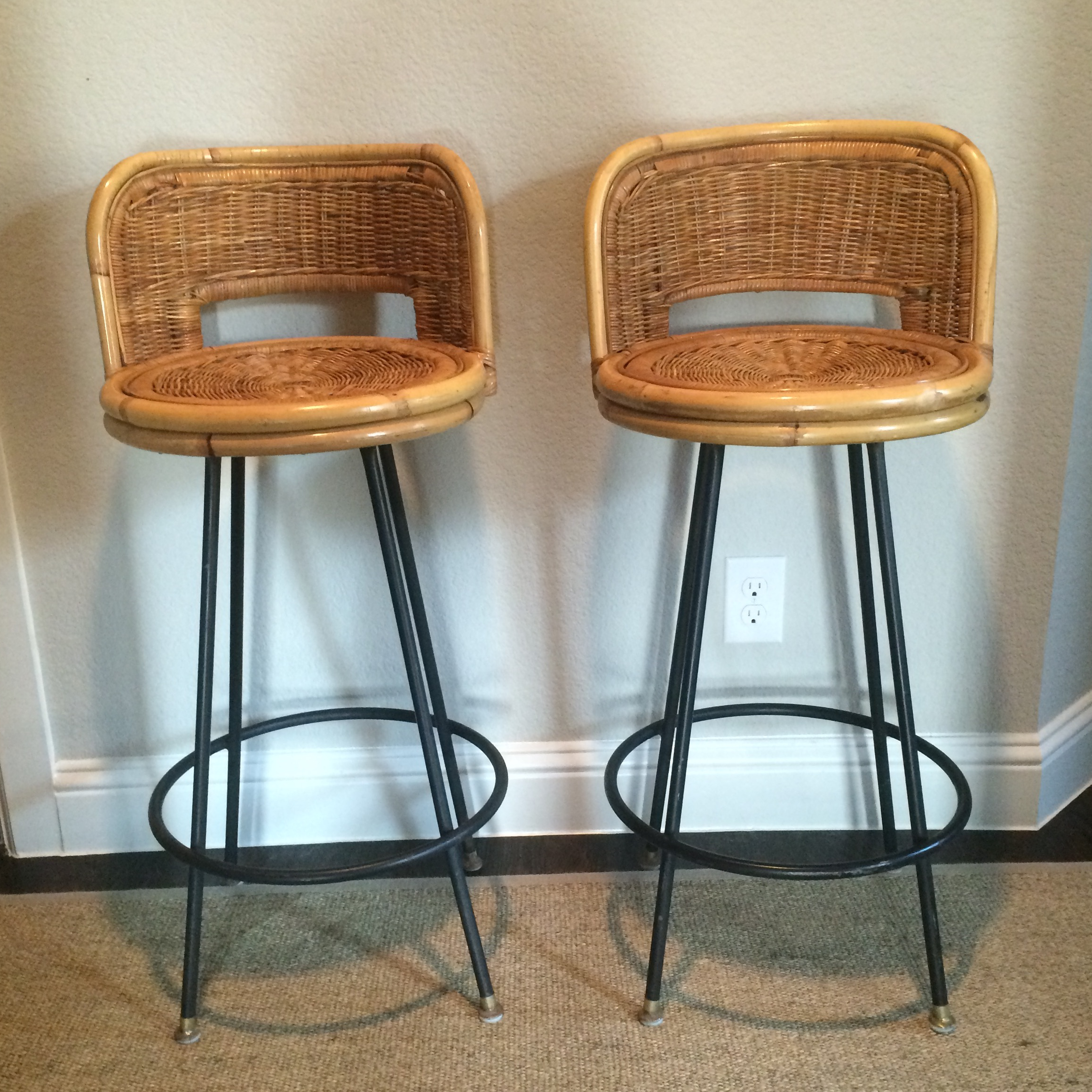 Beautifully made and very sturdy this pair of Seng of Chicago bar stools would be & Vintage Seng of Chicago Wicker u0026 Iron Stools - A Pair | Chairish