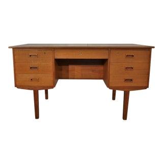 Danish Mid-Century Teak Desk - Vindinge For Sale