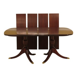 1980s Traditional Henkel Harris Mahogany Model Dining Room Table For Sale