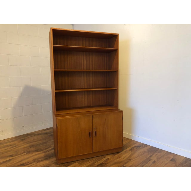 Danish teak cabinet with bookshelf by Borge Mogensen for Soborg Mobler from 1961. This is a high quality piece in very...