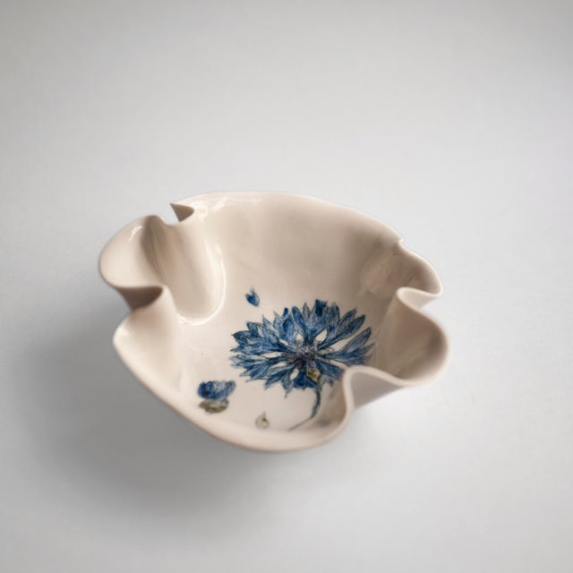 Cornflower Primavera Porcelain Bowl For Sale - Image 4 of 10