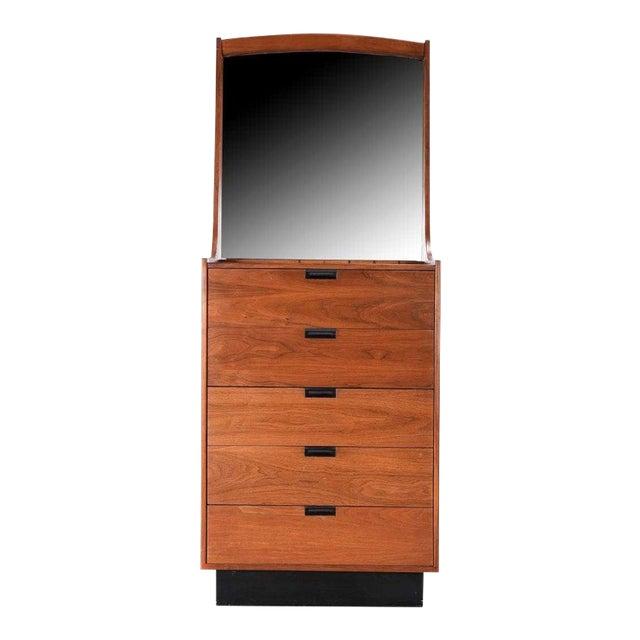Danish Modern Gentlemans Chest by Dillingham Dresser For Sale