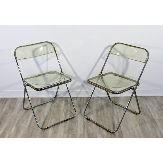 Castelli 1960s Vintage Castelli Mid Century Modern Lucite Chrome Folding Side Chairs - Set of 4 For Sale - Image 4 of 12