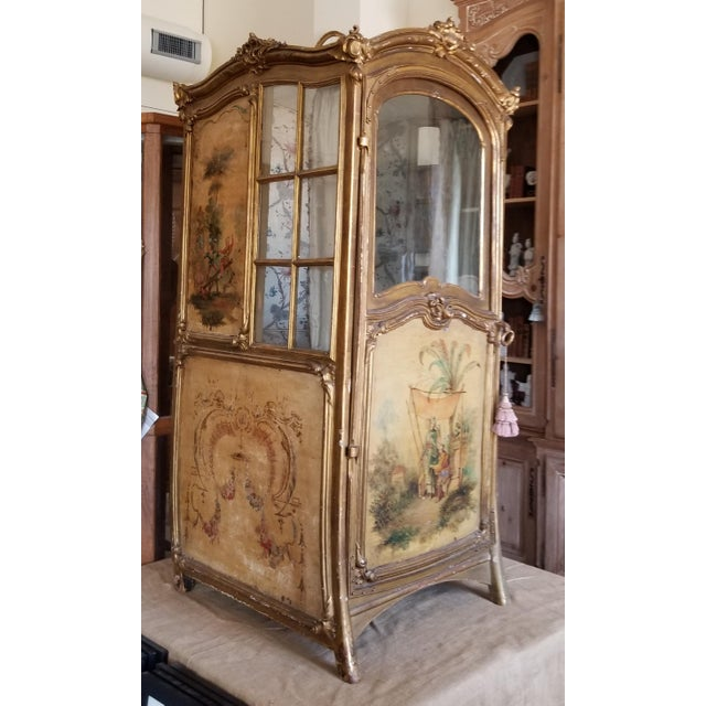 Beautiful antique hand painted sedan chair with amazing antique painted panels. Glass pane windows and 18th century French...