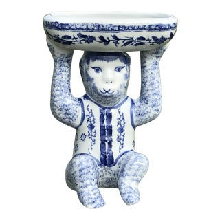 1980s Chinoiserie Blue and White Monkey Holding Dish For Sale
