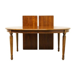 Late 20th Century Vintage Stanley Furniture Neoclassical Style Dining Table For Sale