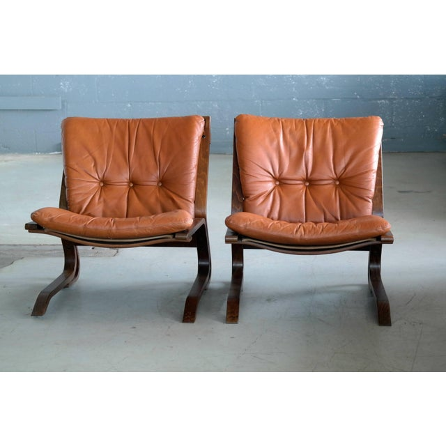1960s Pair of Midcentury Norwegian Easy Chairs in Cognac Leather by Oddvin Rykken For Sale - Image 5 of 10