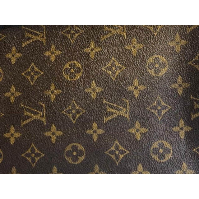 2010s Louis Vuitton 40 Monogram Canvas Luggage Bag For Sale - Image 5 of 12