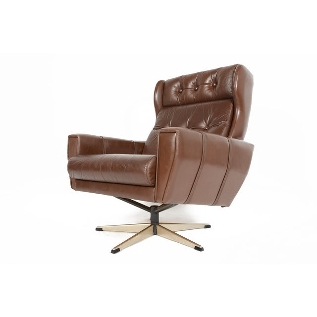 High Back Brown Leather Swivel Lounge Chair - Image 3 of 10