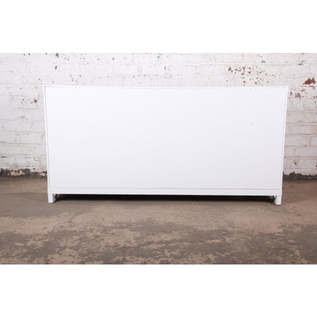 Mid-Century Modern Hollywood Regency Chinoiserie White Lacquered Twelve-Drawer Dresser or Credenza, Newly Restored For Sale - Image 12 of 13