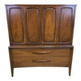 Image of Mid Century Modern Highboy by Broyhill For Sale