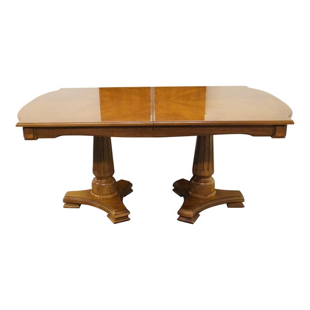 20th Century Traditional Thomasville Serenade Collection Double Pedestal  Dining Table