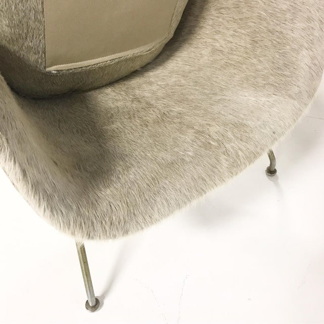 Tan Vintage Eero Saarinen Womb Chair Reupholstered in Brazilian Cowhide For Sale - Image 8 of 11