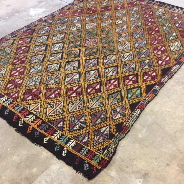 "Boho Chic 1960's Turkish Kilim - 5'6""x8'1"" For Sale - Image 3 of 10"
