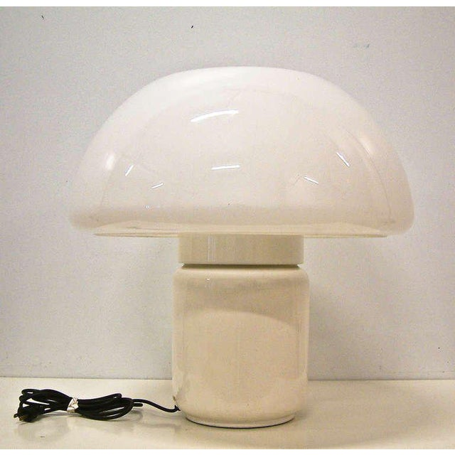 """Circa 1970 Martinelli Luce White """"Mushroom"""" Table Lamp For Sale In Richmond - Image 6 of 8"""