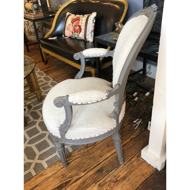 French 1940s Vintage Grey Painted French Fauteuil Chairs- A Pair For Sale - Image 3 of 13