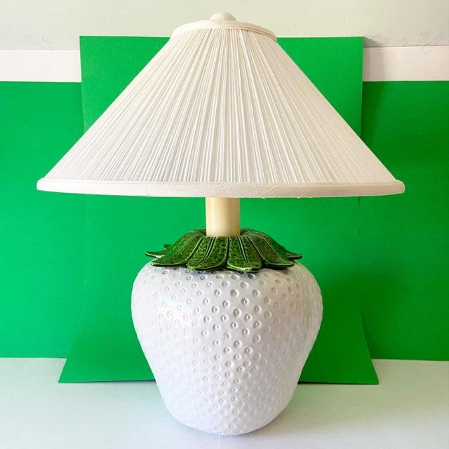 Mid-Century Modern Italian Strawberry Lamp & Shade For Sale - Image 3 of 10