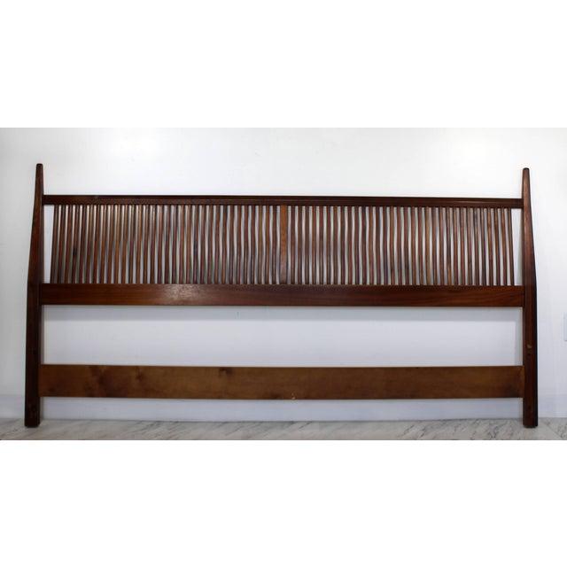 Wood 1950s Mid-Century Modern George Nakashima for Widdicomb Slatted King Headboard For Sale - Image 7 of 7
