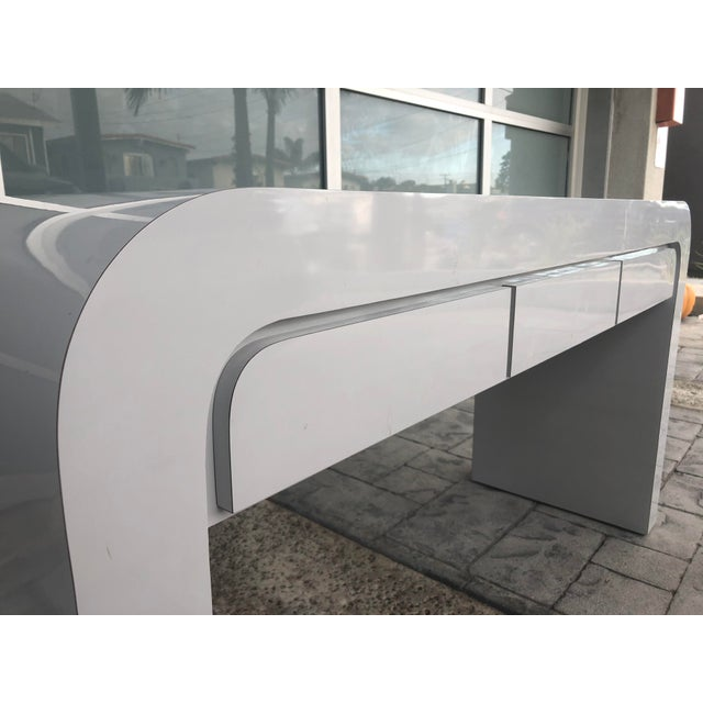 Contemporary 1980s Contemporary Gray Laminate Waterfall Desk For Sale - Image 3 of 10
