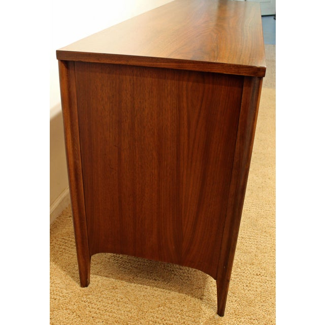 Kent Coffey Perspecta Walnut/Rosewood Credenza For Sale In Philadelphia - Image 6 of 12