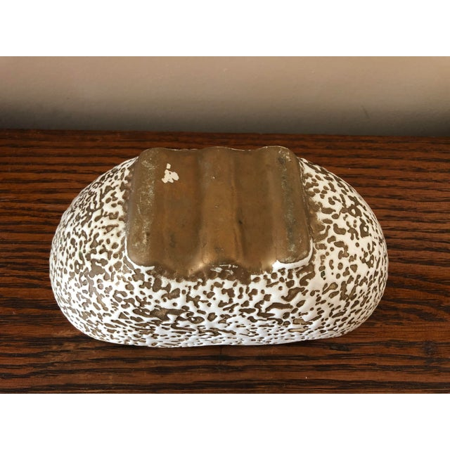 Mid-Century Modern White and Gold Spatter-Painted Planter For Sale - Image 9 of 11