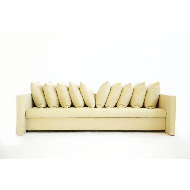 1980s Knoll / Joe d'Urso Linear Sofa in Leather For Sale In Kansas City - Image 6 of 11