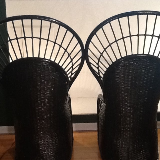 1950s Mid-Century Rattan Wicker Peacock Fan Back Throne Chairs -A Pair For Sale - Image 5 of 13