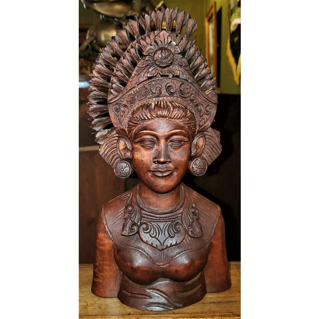 Wood Mid-20th Century Balinese Carved Woman Bust For Sale - Image 7 of 9