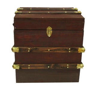 Rustic End Table/Wooden Trunk For Sale
