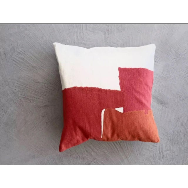 You re looking at a beautifully designed decorative throw pillow for a couch  or loveseat a456e630921c