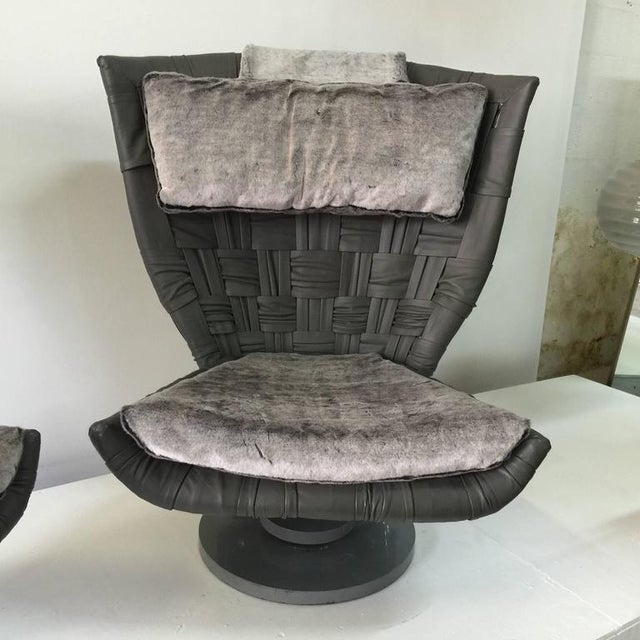 Marzio Cecchi Pair of Grey Woven Leather Swivel Chairs - Image 3 of 6